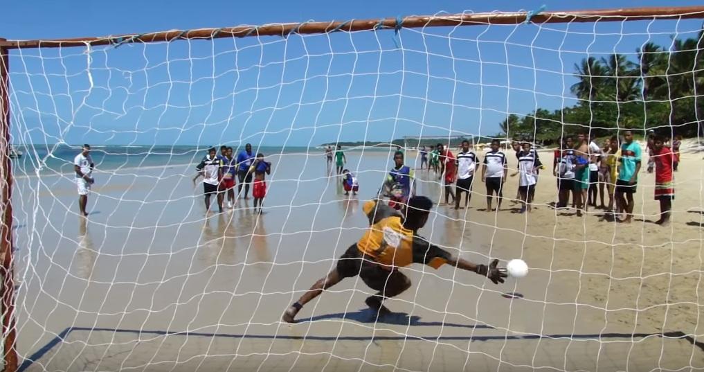 История пляжного футбола