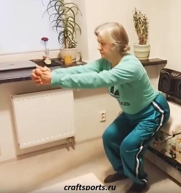 Фитнес приседания для взрослых женщин