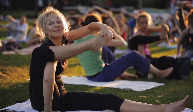 йога на улице